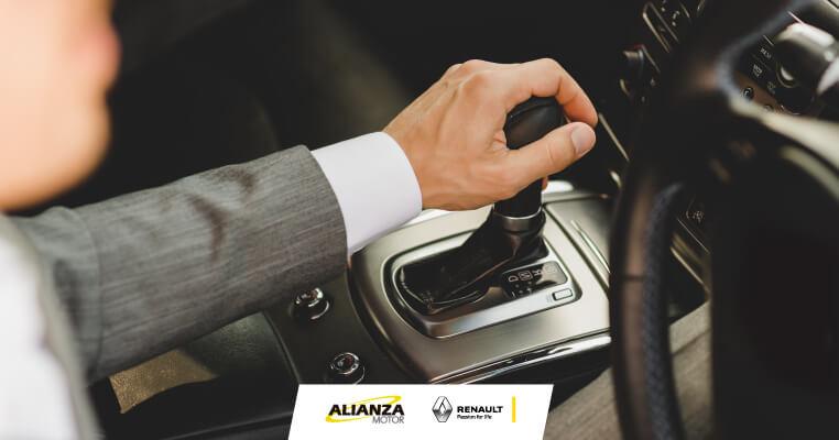 Pros y contras de los carros automáticos y manuales